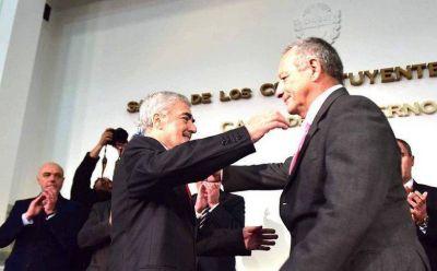 Asumió Ignacio Hernández