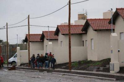 Lunghi particip� de la entrega de 20 viviendas del barrio del Sindicato de Trabajadores Municipales