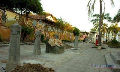 """Trabajan para embellecer la plazoleta Italia e instalar el monumento """"Las banderas"""""""