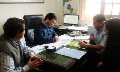 El intendente de Pellegrini firmó un nuevo convenio: dos millones de pesos más para el distrito