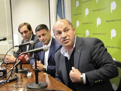 A cara de perro: Junto al titular de AUBASA, Garro y Secco anunciaron obras en la autopista