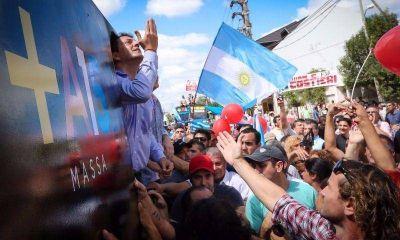 Massa da vuelta la estrategia y opera en la divisi�n de La Matanza