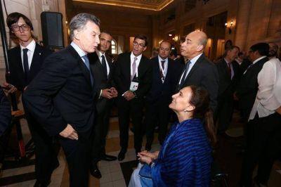 Ante la presi�n por un paro, Macri les pidi� prudencia a los gremios