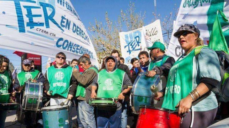 Denunciaron a sindicalistas por golpear a mujeres