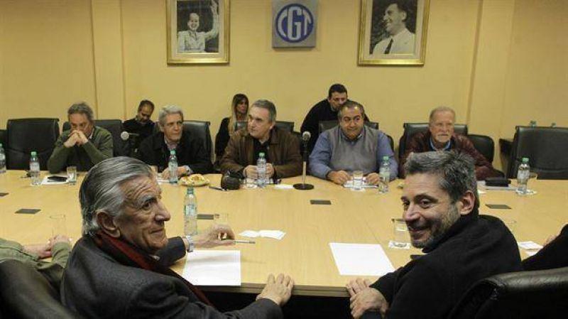 La CGT se re�ne con Jos� Luis Gioja y advierten: