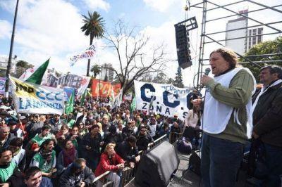 """Con movilización, la CTA Autónoma pidió reapertura de paritarias y """"discutir"""" el Presupuesto 2017"""