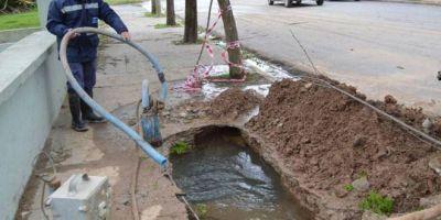 Por rotura de caño habrá baja presión en el suministro de agua