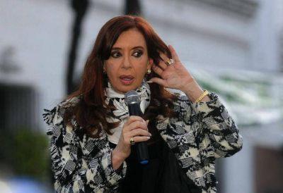 La extraña teoría de CFK sobre el robo de zapatillas y camperas