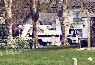 Esc�ndalo: encuentran una caja fuerte oculta en un drag�n en la casa de un ex funcionario sciolista