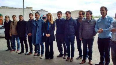 """El Grupo Fénix salió a la cancha como la """"renovación"""" peronista hacia 2017"""