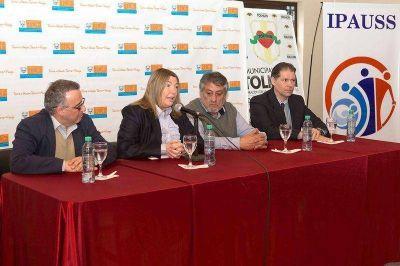 """Bertone inauguró delegación del IPAUSS y ratificó que """"la salud es una sola"""""""