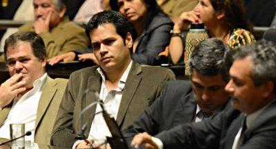 La alianza opositora quiere limitar reelecciones de diputados e intendentes