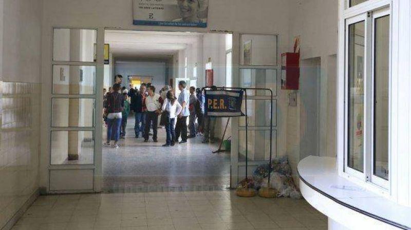 Trabajadores del San Mart�n realizan asamblea por aranceles y recategorizaciones