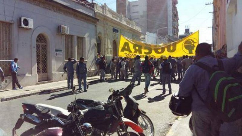 Tensi�n en la UOCRA: tomaron el sindicato y tuvo que intervenir la polic�a