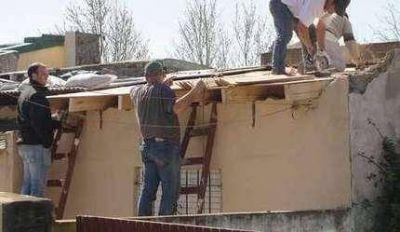 Se reconstruyen viviendas afectadas por el temporal