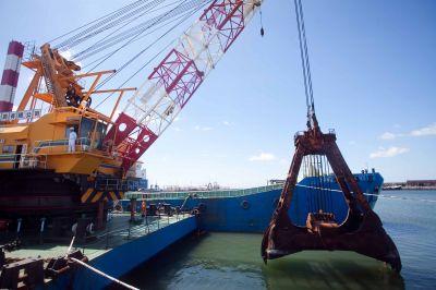 Aseguran que en diciembre comienzan las obras en el dragado del puerto