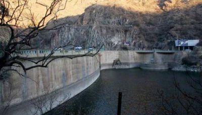 Identifican virus fecales en el lago San Roque