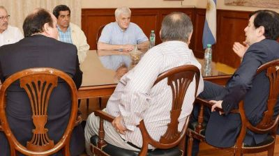 Reunión protocolar del senador Zamora y Caló