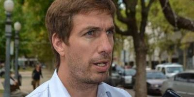 """El Intendente de Mercedes preocupado: """"entregábamos 800 bolsas de alimento y ahora son más de 2000"""""""