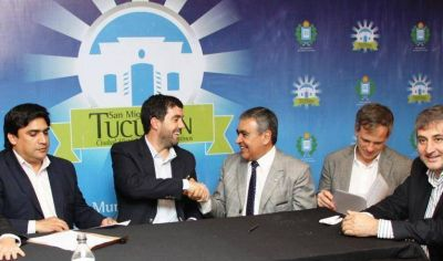 Alfaro firmó un convenio con el titular de la ANSES, Emilio Basavilbaso