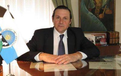 CAMILO ETCHEVARREN Y LA PERVERSIÓN BARATA DE SU POLÍTICA LOCAL