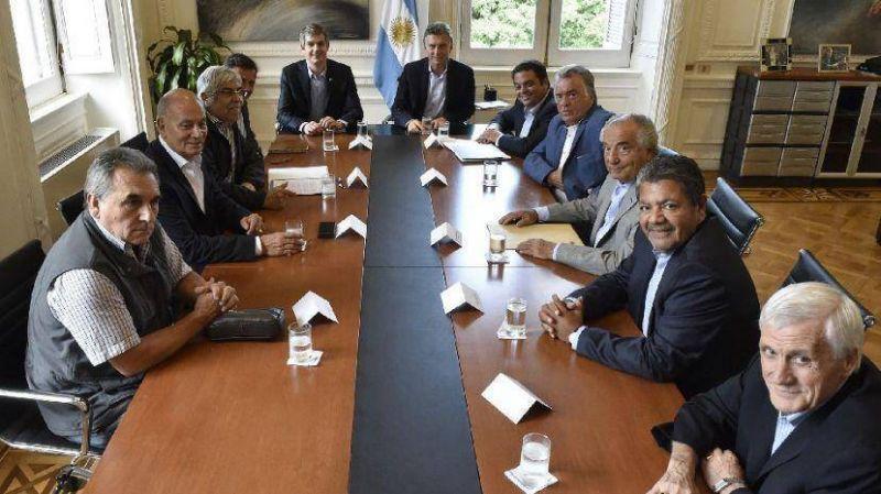 Paritarias: Gobierno descart� reapertura y Moyano reclam� que �no se metan�