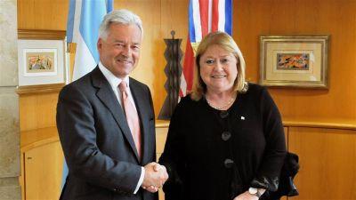 El acuerdo con Londres plantea dudas a expertos en política exterior