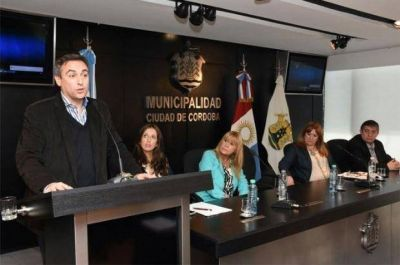 Municipios de la UCR reciben fondos de la Nación