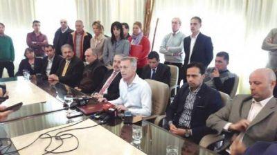 Avilés se reunió con los centros vecinales para explicar la municipalización del agua
