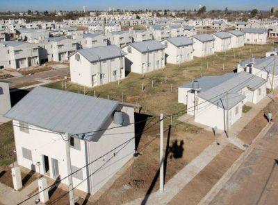 Firman contrato para construir 630 viviendas