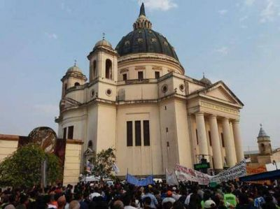 Más de 400 mil peregrinos llegaron a Itatí para venerar a la Virgen