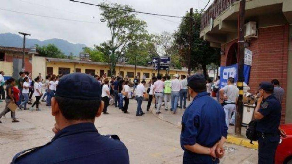 Se produjo un fuerte reclamo en Güemes por sueldos adeudados