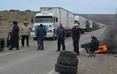 Municipales buscan desabastecer a Río Gallegos con corte en acceso sur de Caleta