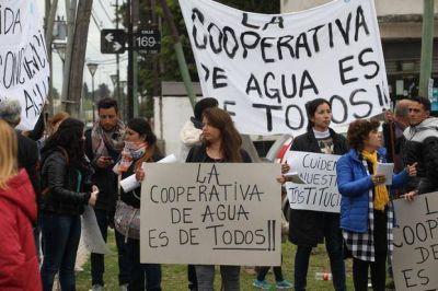 Manifestación en Melchor Romero por la Cooperativa de Aguas y Cloacas