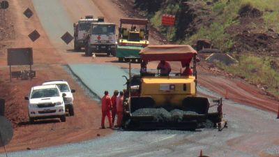 Avanza a ritmo sostenido las obras en la Ruta Provincial 8