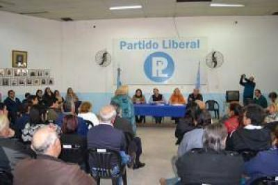 Dirigentes liberales inorgánicos se reunieron con Ricardo Colombi