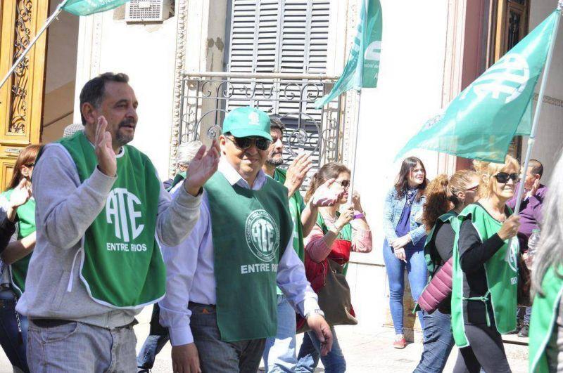ATE se movilizó a la Caja de Jubilaciones en defensa del régimen previsional provincial