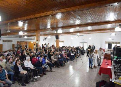 Poletti encabezó la entrega de casi 200 escrituras