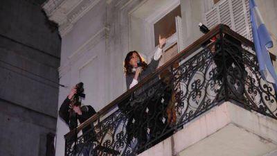 Cristina financia el Instituto Patria con aportes militantes