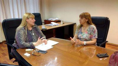Griselda Herrera y Miriam Espinoza analizaron la situaci�n de dos empresas textiles