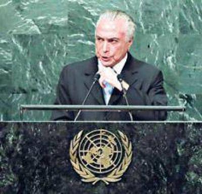 Pese al desaire, el presidente brasile�o no dud� en defender la legalidad del juicio que culmin� con la salida de Dilma Rousseff del gobierno e insisti� en que todo el proceso tuvo lugar en un absoluto respeto del orden constitucional.