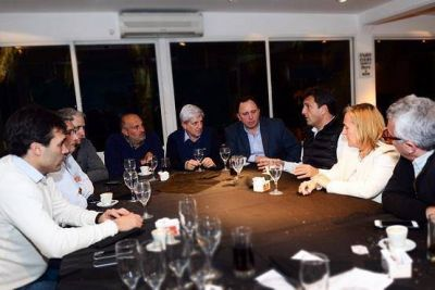 Massa e intendentes del FR se reunieron en San Fernando