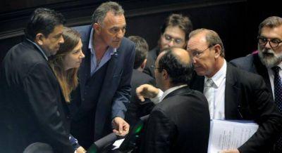 M�xima tensi�n entre Vidal y Massa por la adhesi�n al blanqueo