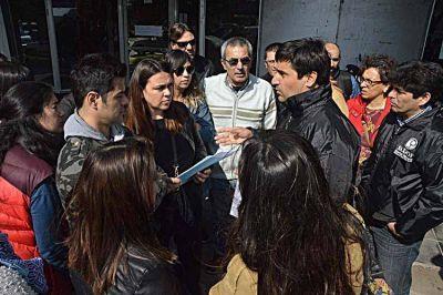 Paro de actividades de los docentes del colegio Pinos de Anch