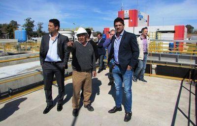 Le�n Barreto recorri� la obra que proveer� agua potable a Funes
