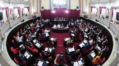 """Es oficial el tope a las """"re re"""" de los Intendentes"""