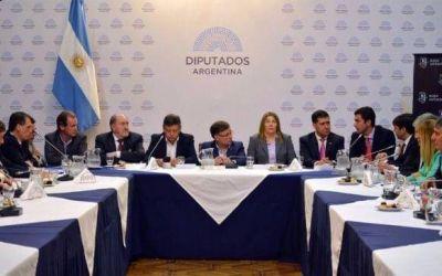 Los gobernadores peronistas empezaron a marcarle al Gobierno la cancha del Presupuesto