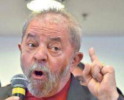 Lula contraataca y hace campaña