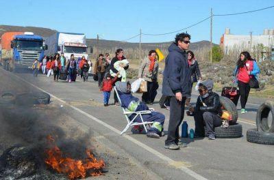 Contrapiquetes de camioneros en Caleta