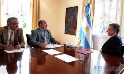 Macri arribó al país y se habría reunido con Colombi para avanzar con obras